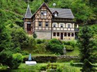 org_home_wartburg_castle_in_saxon_switzerland_building