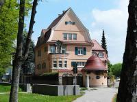 org_villa_manor_house_architecture